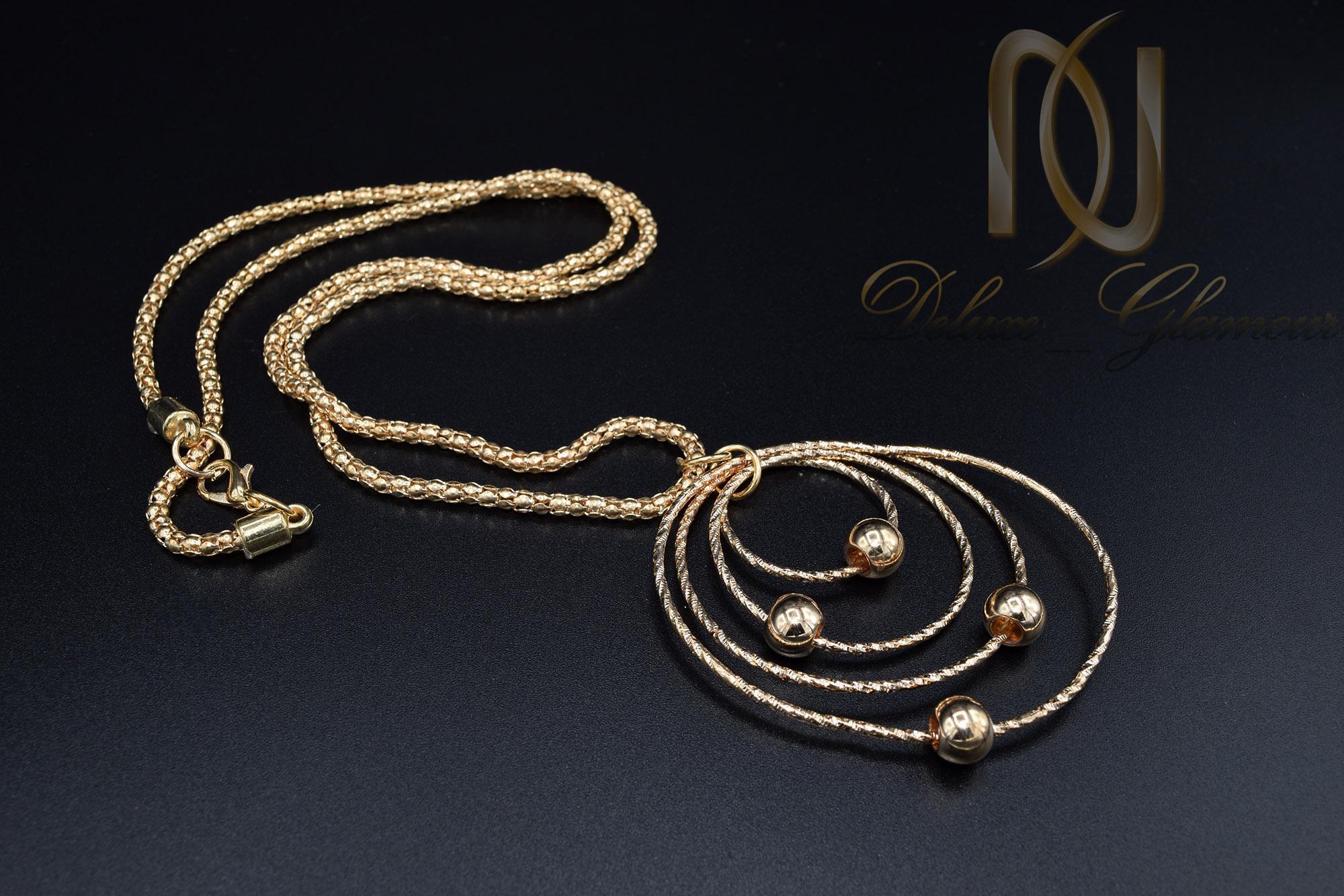 گردنبند رومانتویی بلند طرح طلا NW-N444 از نمای مشکی