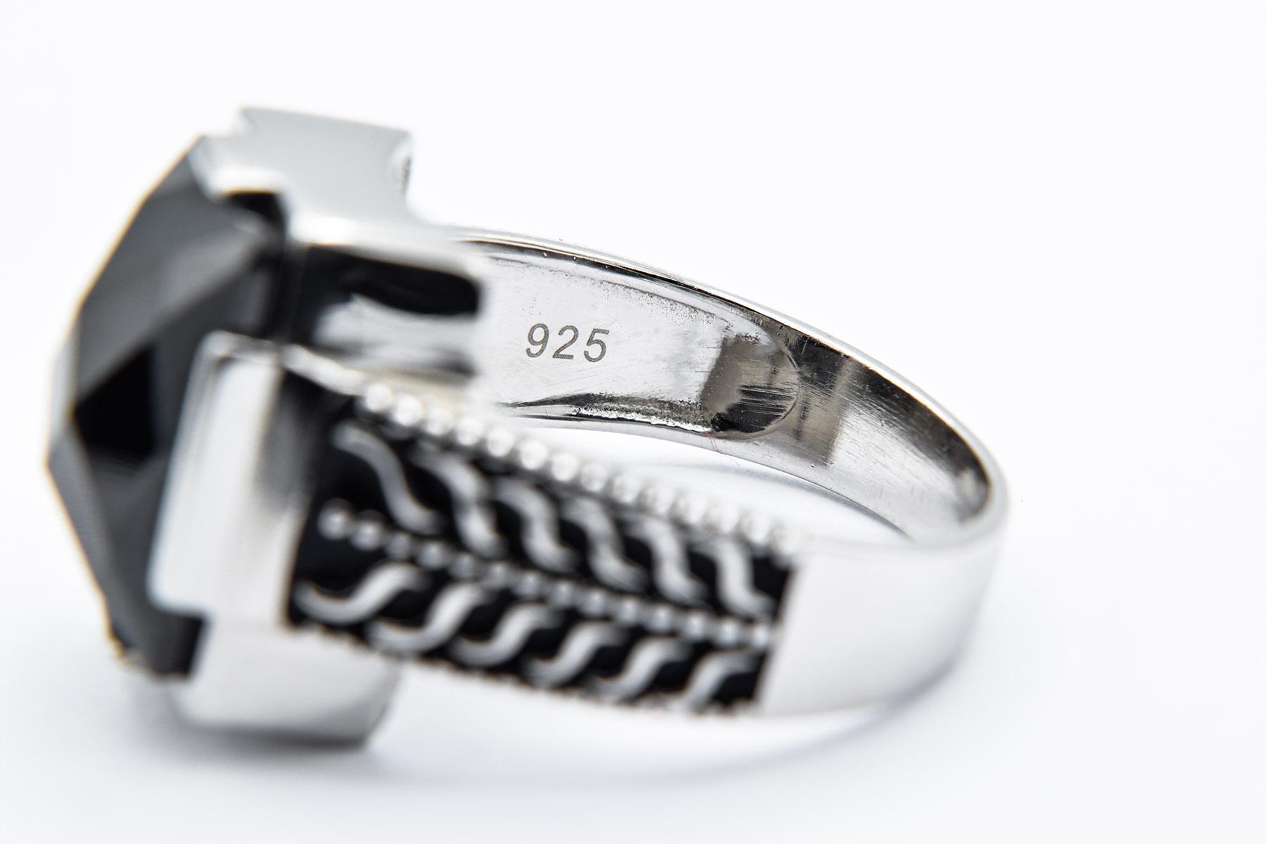 انگشتر مردانه اسپرت نقره ترکیه مربعی rg-n335 از نمای داخل