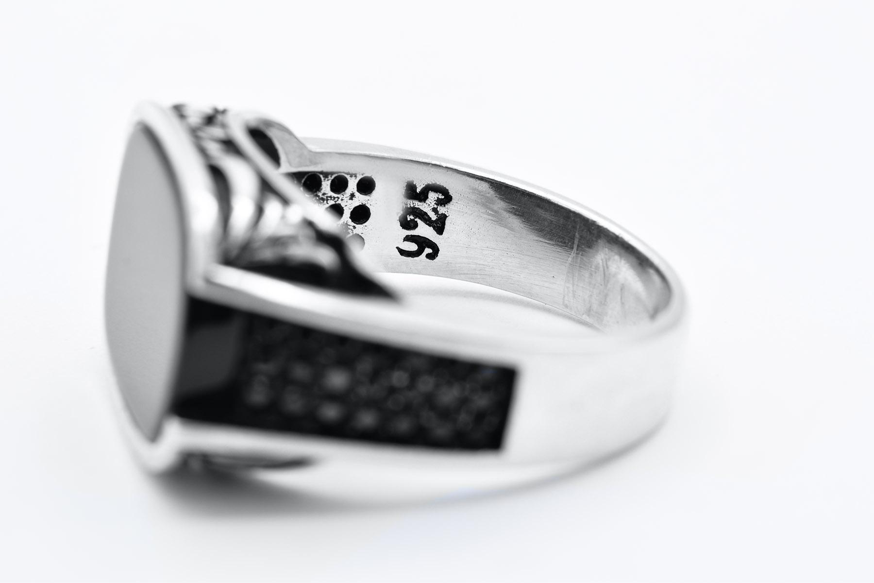 انگشتر مردانه نقره ترکیه نگین مربعی rg-n336 از نمای داخل