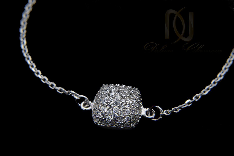 دستبند نقره دخترانه ظريف نگين دار ds-n411 از نماي مشكي