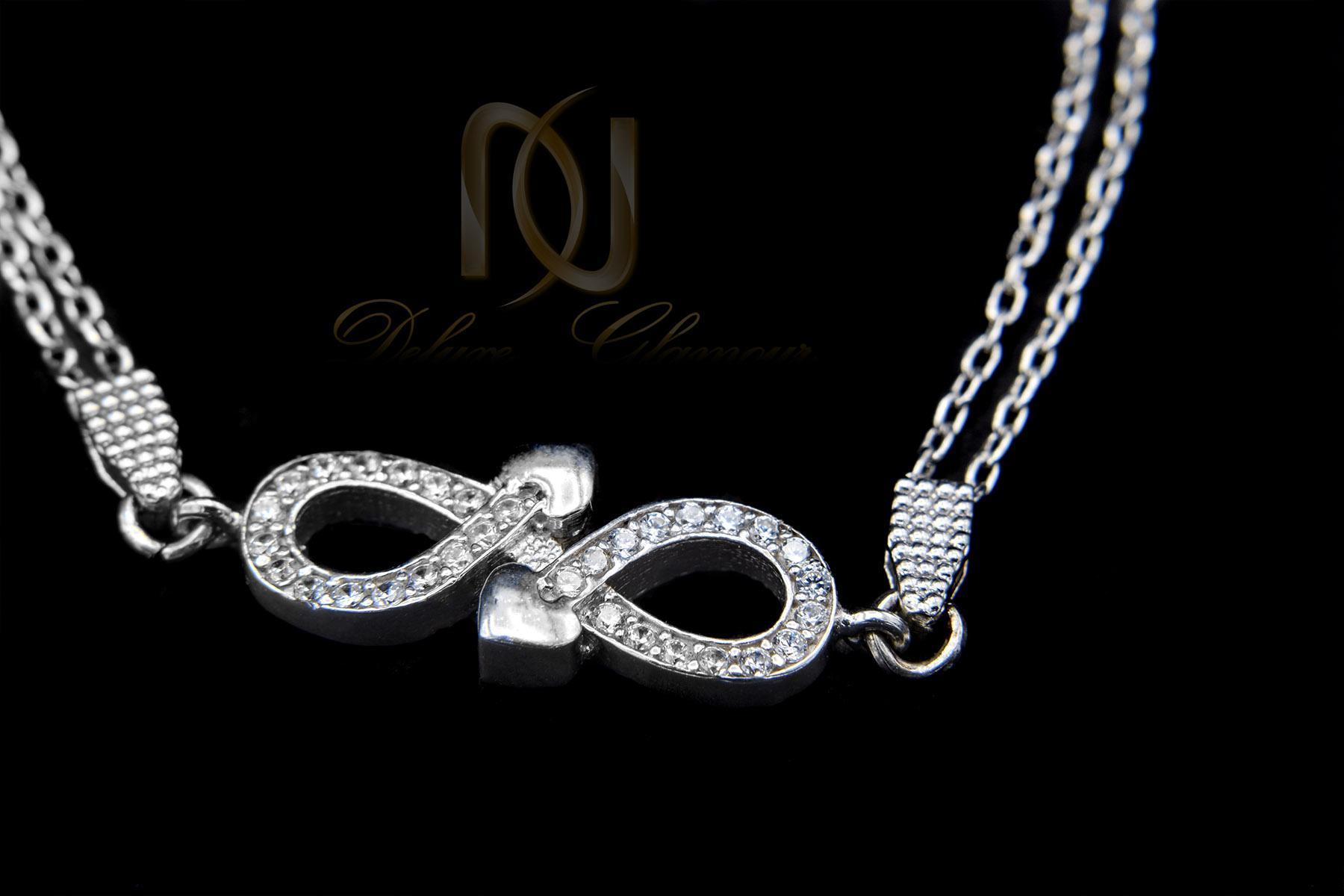 دستبند نقره دخترانه ظریف طرح بینهایت ds-n417 از نمای مشکی