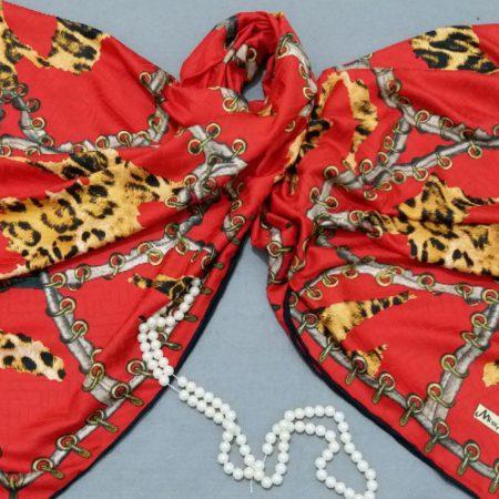 روسری ابریشمی قرمز دور دست دوز میس اسمارت sr-n301 از نمای روبرو