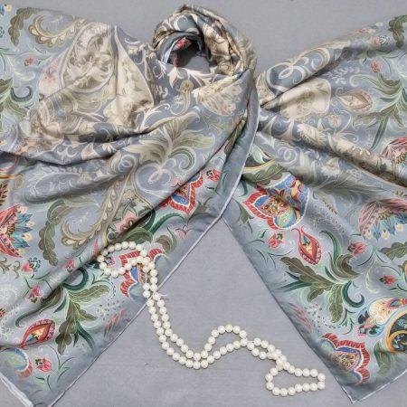 روسری ابریشم توییل کج راه دور دوخت sr-n283 از نمای نزدیک