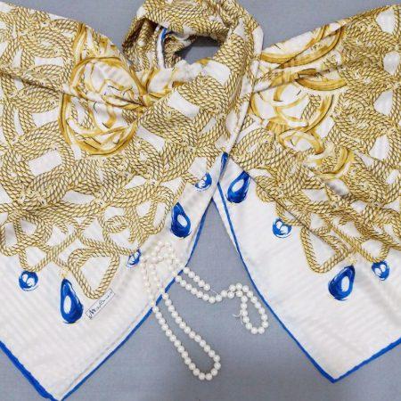 روسری ابریشم جدید طرح دار دور دوخت sr-n270 از نمای نزدیک