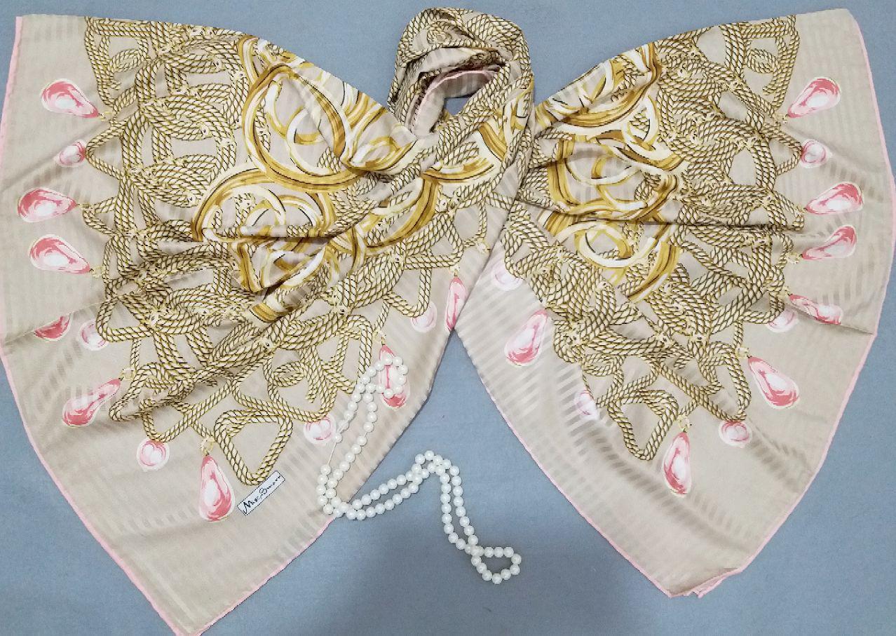 روسری ابریشم طرحدار مدل جدید دور دوخت sr-n272 از نمای نزدیک