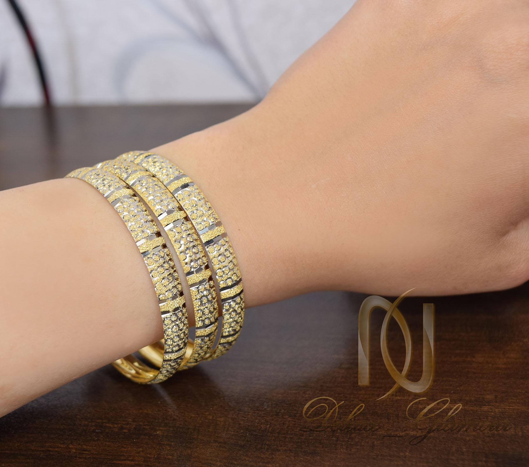 النگو زنانه نقره تراش طرح طلای دو رنگ al-n117 از نمای روی دست