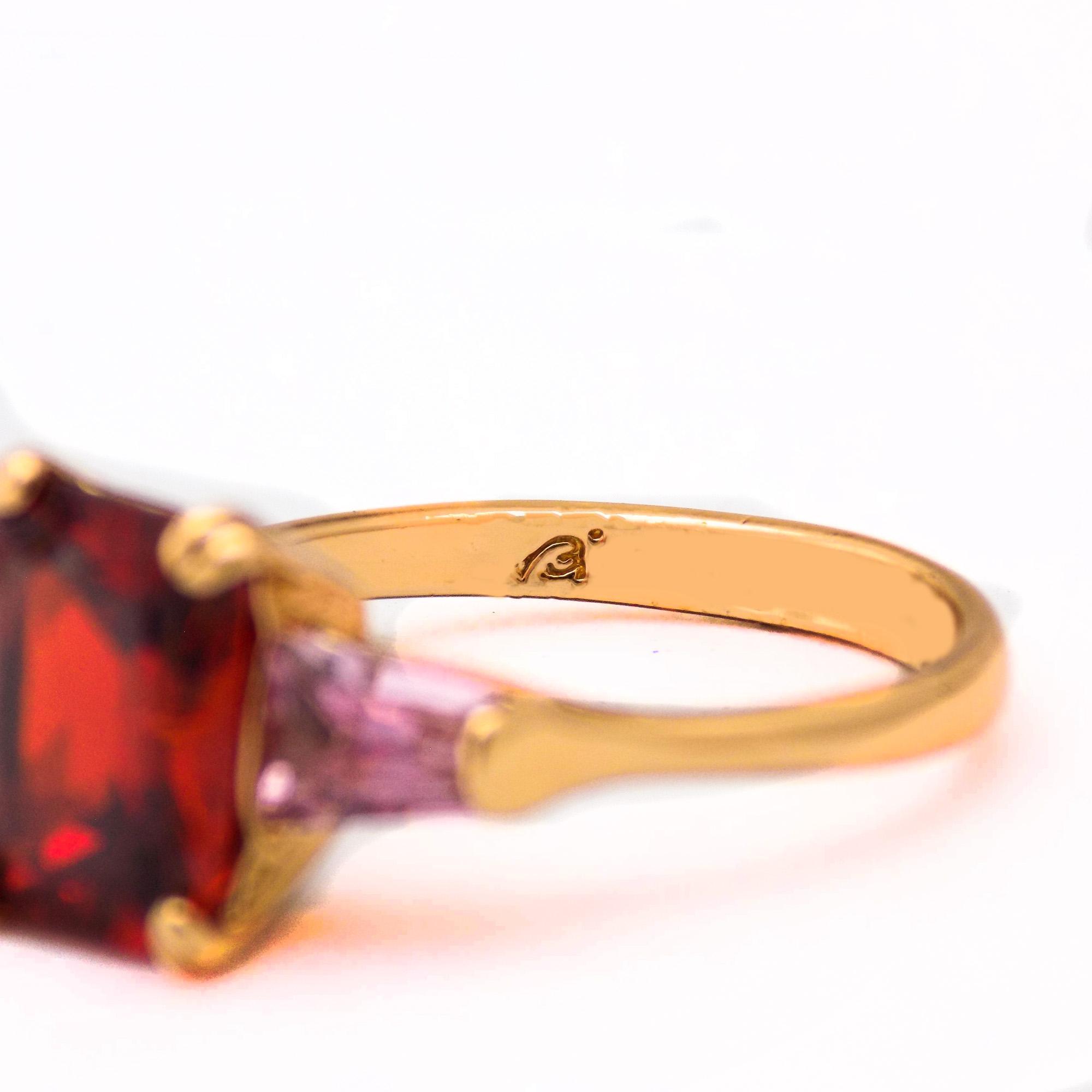 انگشتر دخترانه ژوپینگ نگین قرمز و صورتی rg-n348 از نمای داخل