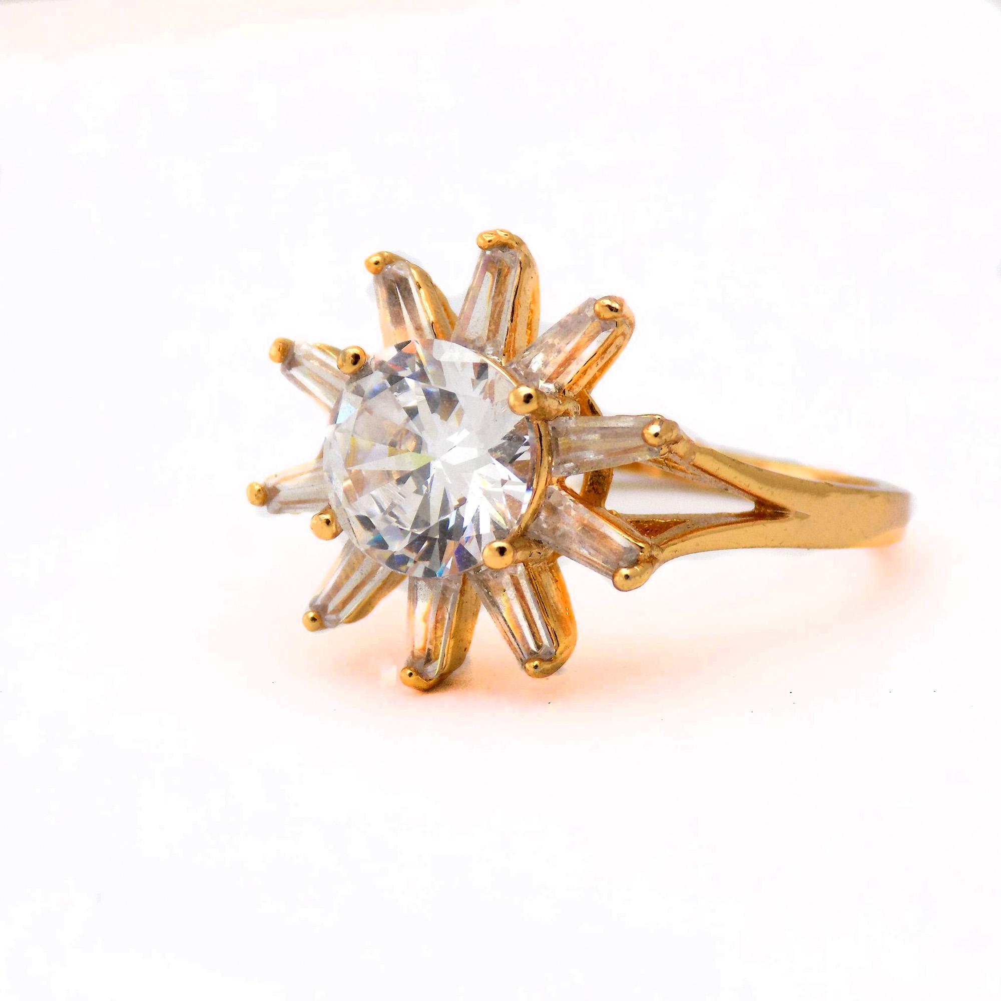 انگشتر زنانه استیل طرح طلای نگین دار rg-n351