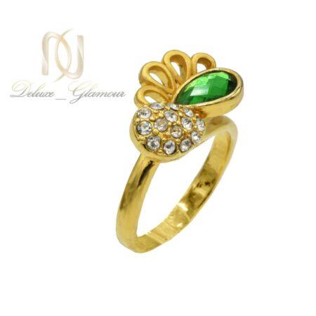 انگشتر زنانه استیل طلایی نگین سبز rg-n349 از نمای روبرو