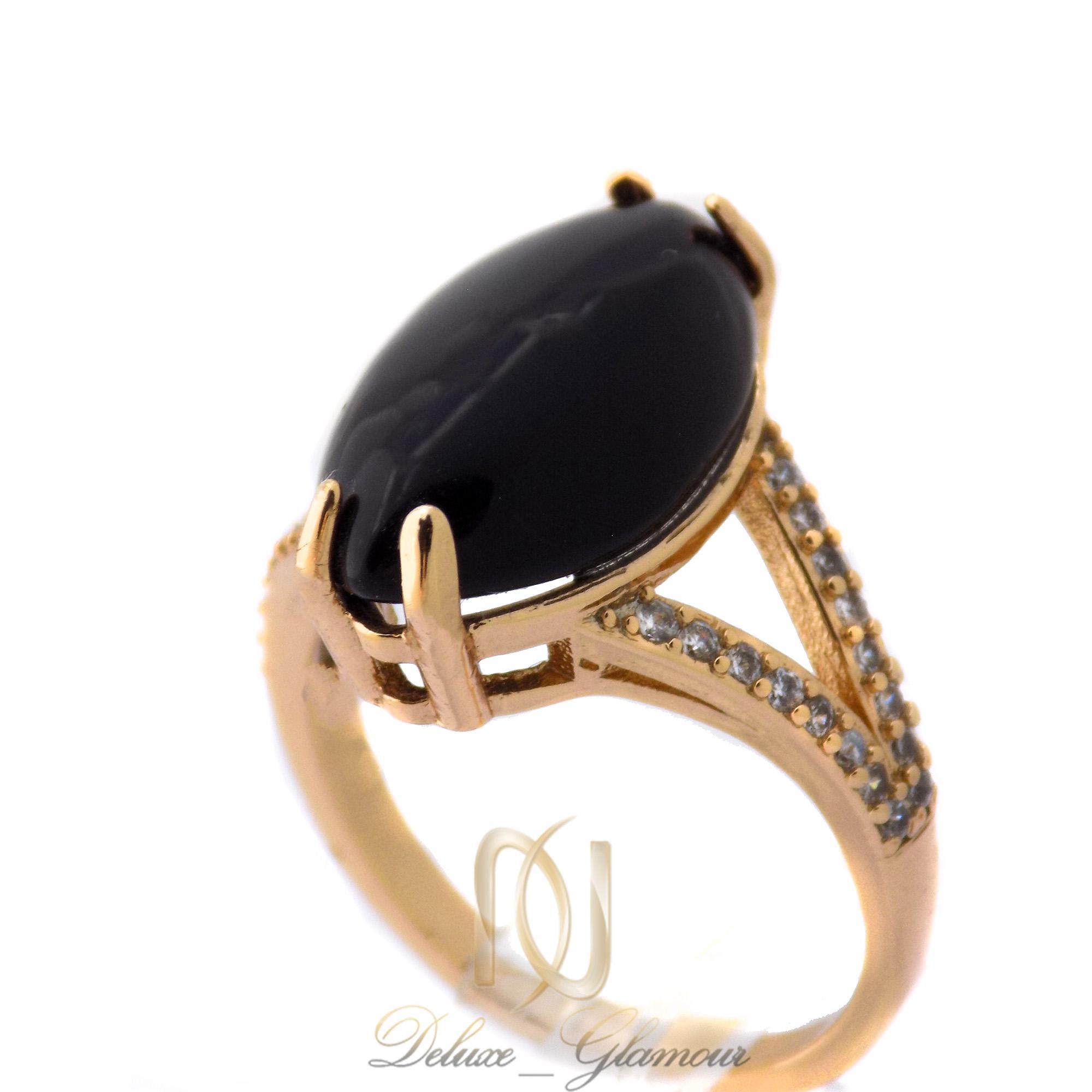 انگشتر زنانه ژوپینگ طلایی نگین مشکی rg-n374 از نمای روبرو