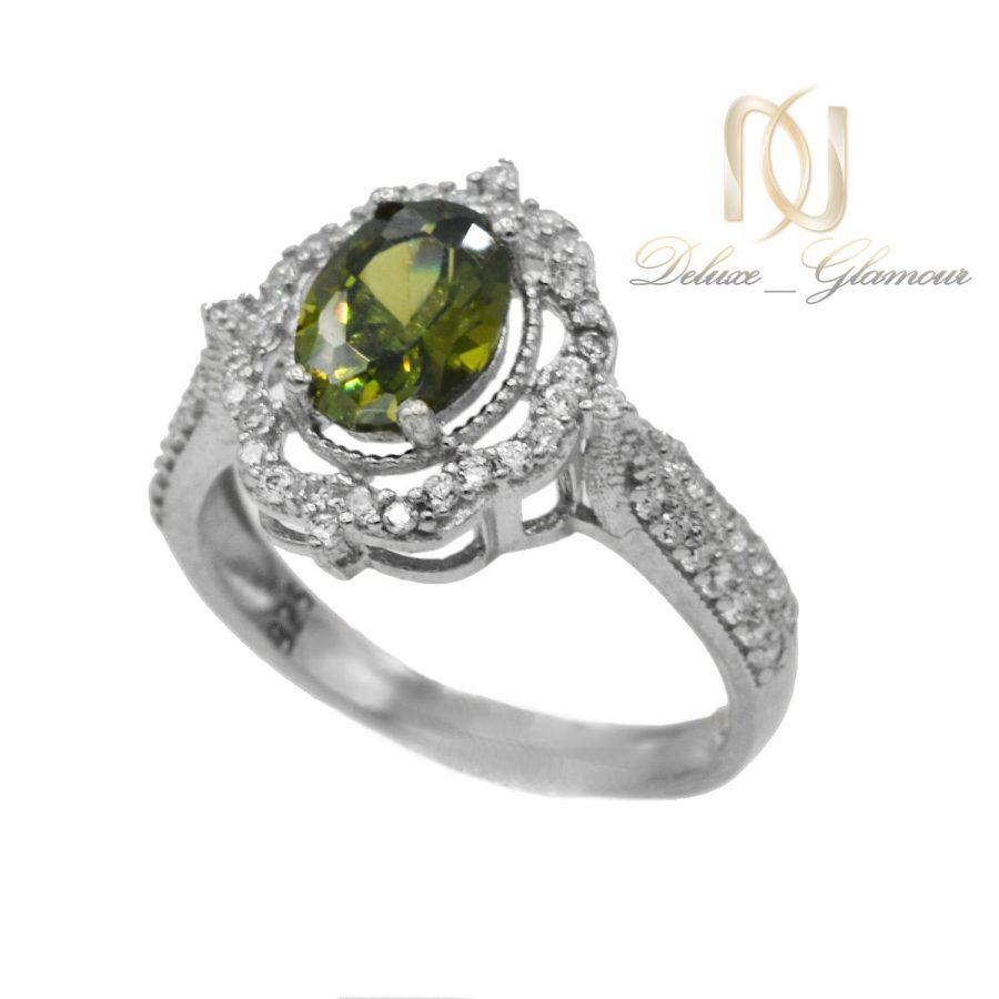 انگشتر نقره زنانه جواهری نگین سبز rg-n363 از نمای سفید