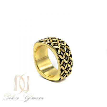 انگشتر نقره زنانه سیاه قلم مربعی طلایی rg-n376 از نمای سفید