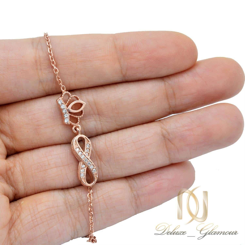 دستبند دخترانه نقره رزگلد تاج و بی نهایت ds-n44 از نمای روی دست
