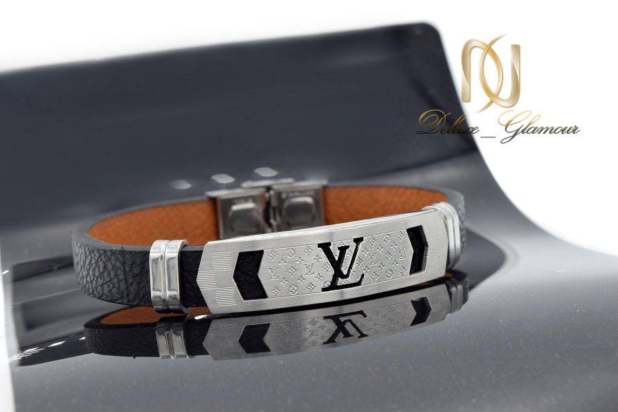 دستبند مردانه چرمی اسپرت طرح لویی ویتون ds-n466 از نمای مشکی