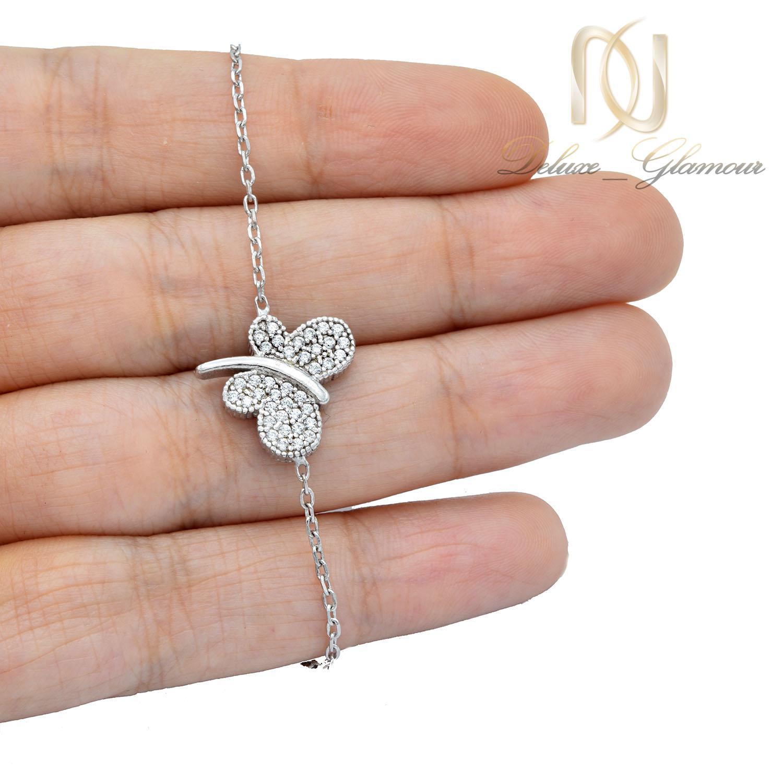 دستبند نقره دخترانه ظریف طرح پروانه ds-n449 از نمای روی دست