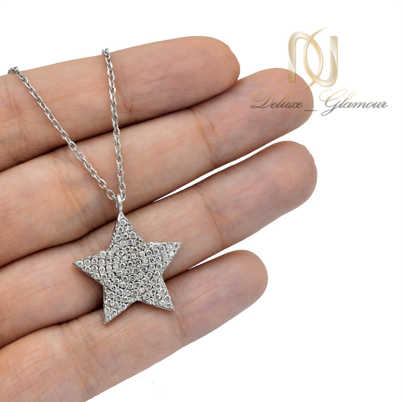 گردنبند نقره دخترانه طرح ستاره نگین دار nw-n508 از نمای روی دست