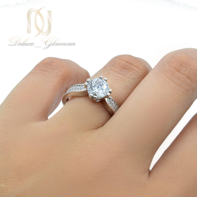 انگشتر دخترانه نقره طرح تک نگین شیک rg-n415 از نمای روی دست