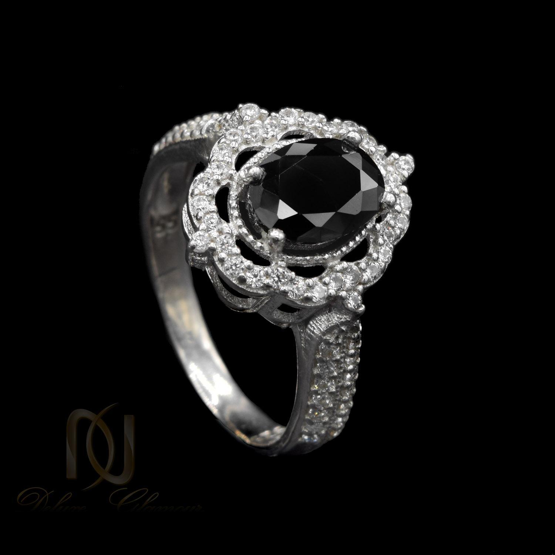 انگشتر زنانه نقره نگین مشکی جواهری rg-n409 از نمای مشکی