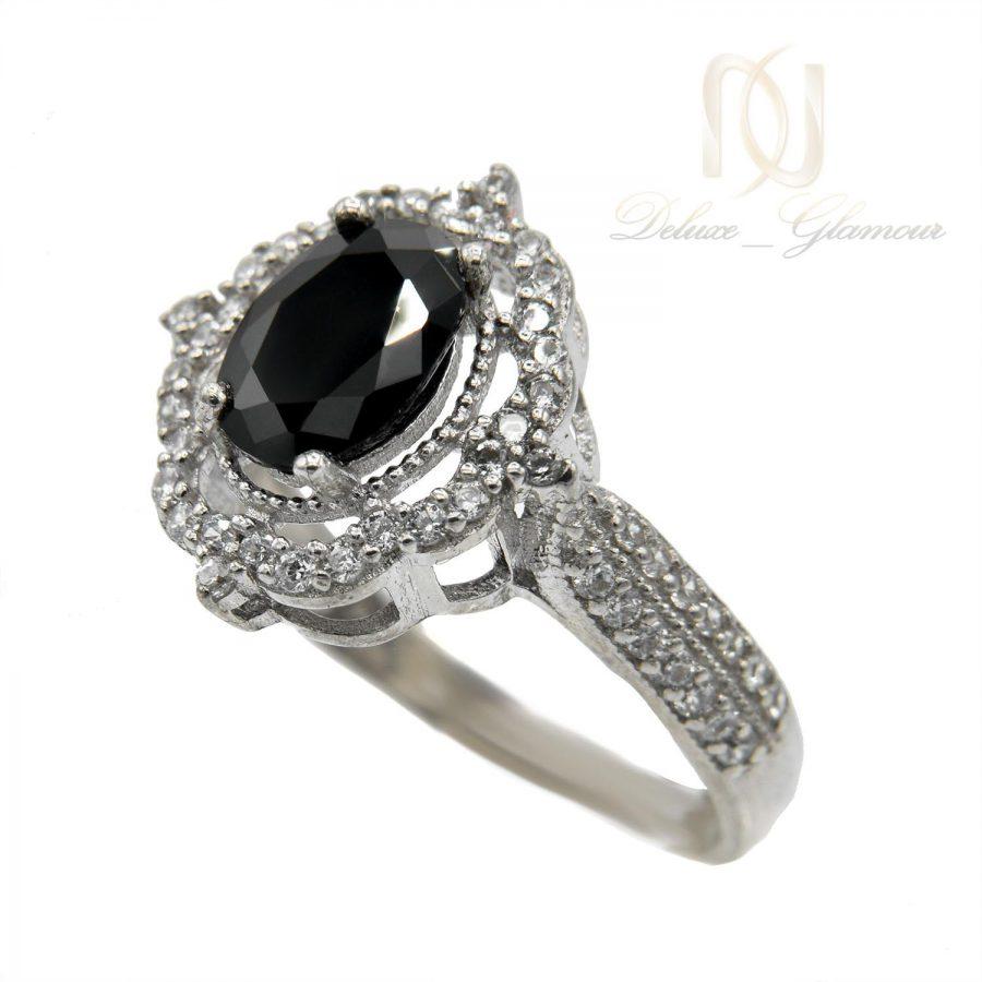 انگشتر زنانه نقره نگین مشکی جواهری rg-n409 از نمای روبرو