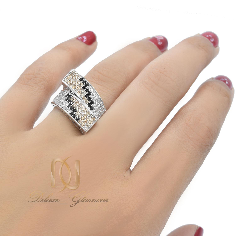 انگشتر نقره زنانه طرح پوست مار جدید rg-n414 از نمای روی دست