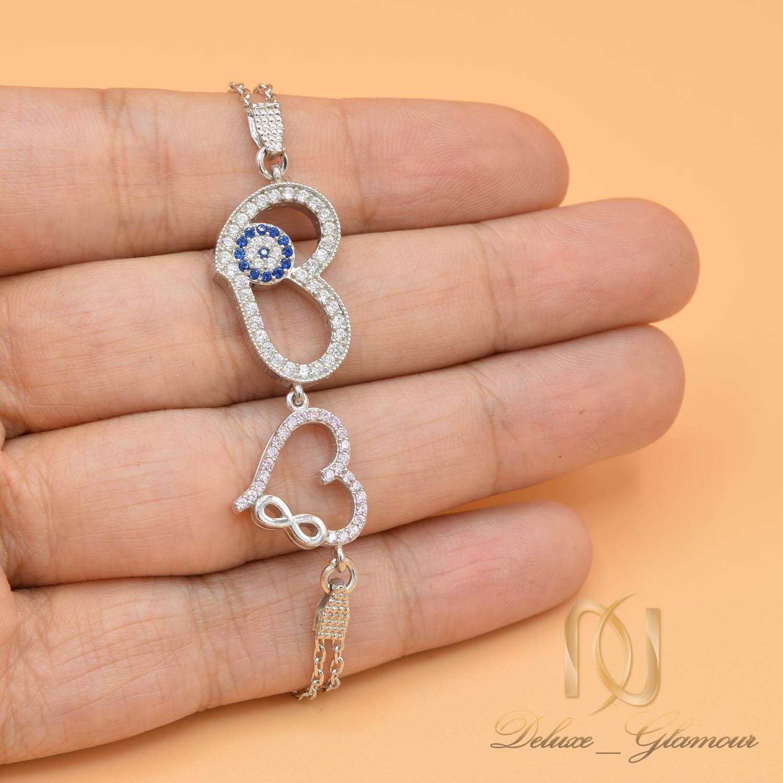 دستبند دخترانه نقره ظریف نگین دار زنجیری ds-n471 از نمای روی دست