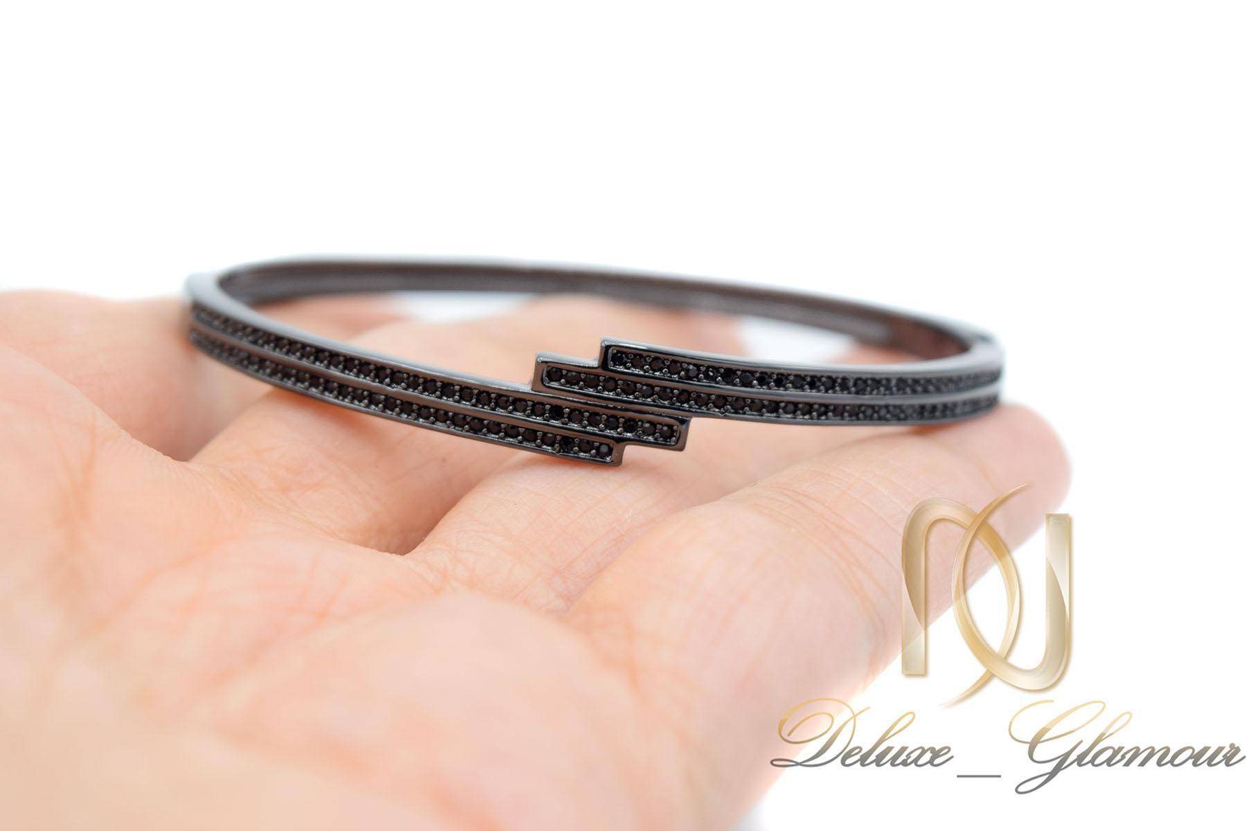 دستبند زنانه مشکی استیل اسپرت شیک ds-n464 از نمای روی دست
