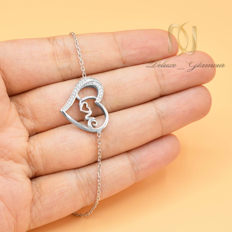دستبند نقره دخترانه طرح لاو ds-n010 - عکس روی دست
