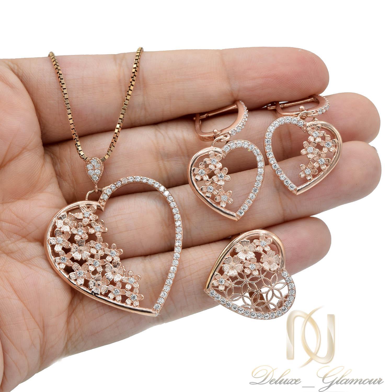 نیم ست نقره زنانه طرح قلب و شکوفه رزگلد ns-n465 از نمای روی دست