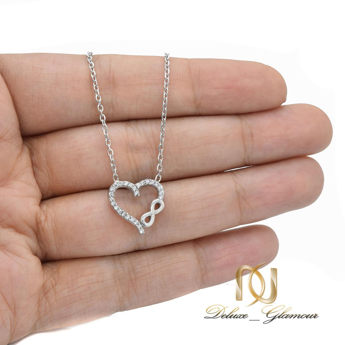 گردنبند دخترانه نقره طرح بی نهایت و قلب nw-n530 از نمای روی دست