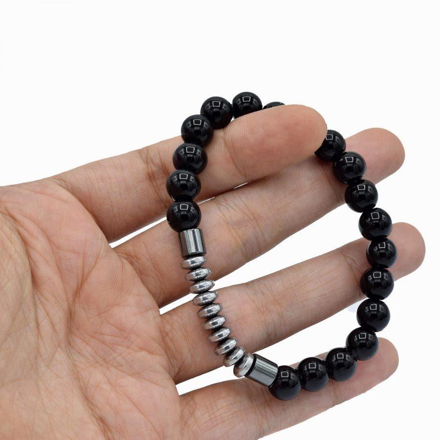 دستبند اسپرت سنگ اونیکس ds-n484 از نمای روی دست