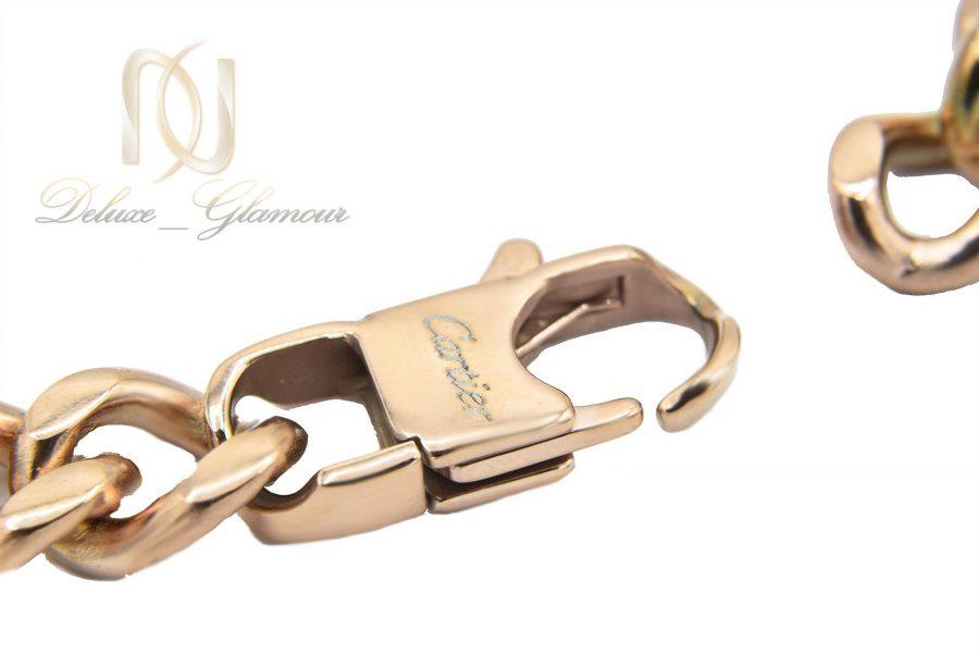 دستبند مردانه طرح کارتیه استیل رزگلد ds-n481 از نمای قفل