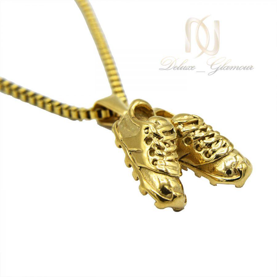 گردنبند اسپرت طرح کفش فوتبال طلایی دوتایی nw-n540 از نمای سفید