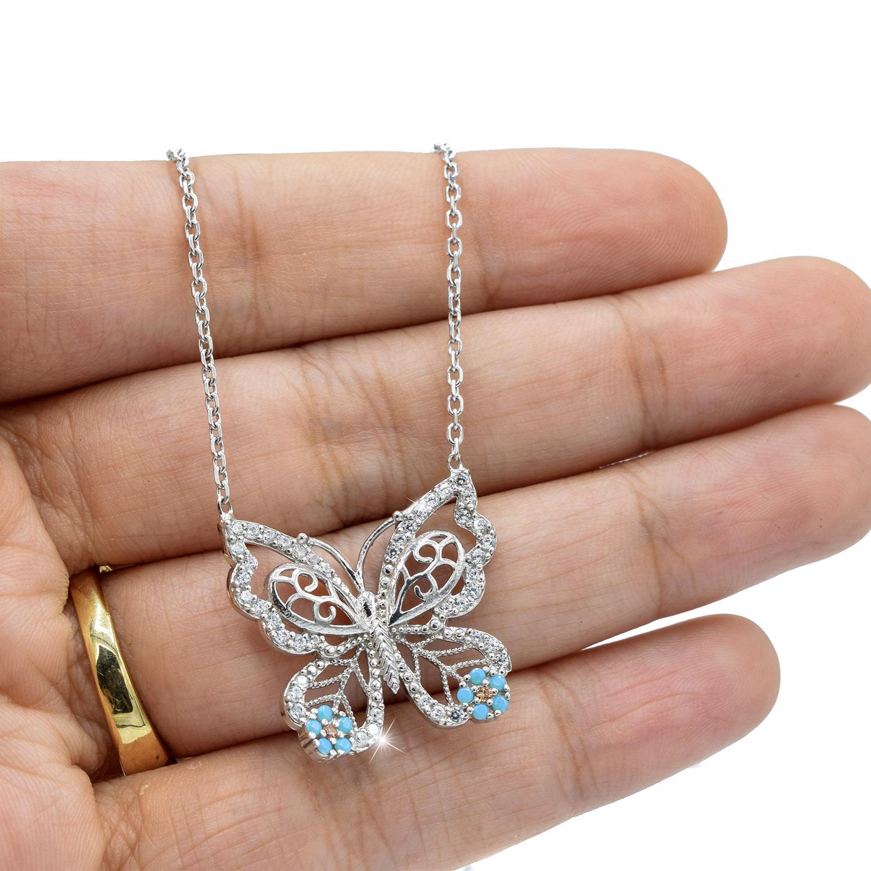 گردنبند دخترانه نقره طرح پروانه ظریف nw-n534 از نمای روی دست