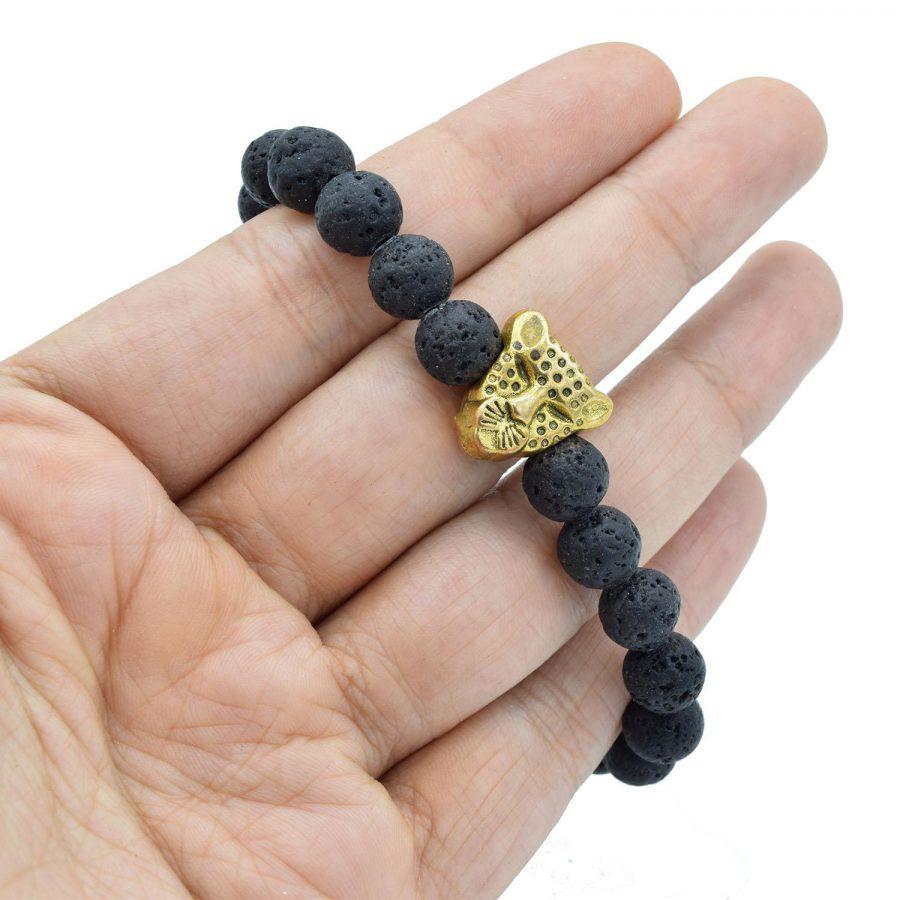 دستبند مردانه سنگ لاوا za-n04 از نمای روی دست