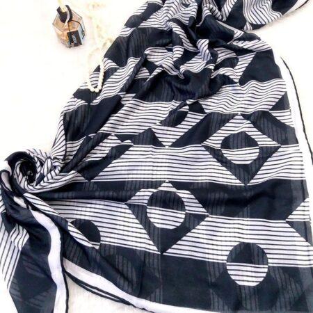 روسری قواره بزرگ نخی sr-n323 از نمای روبرو