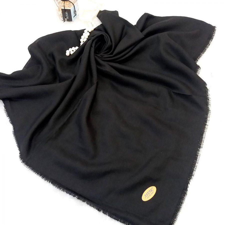 روسری نخی دور ریشه سوزنی sr-n327 از نمای نزدیک