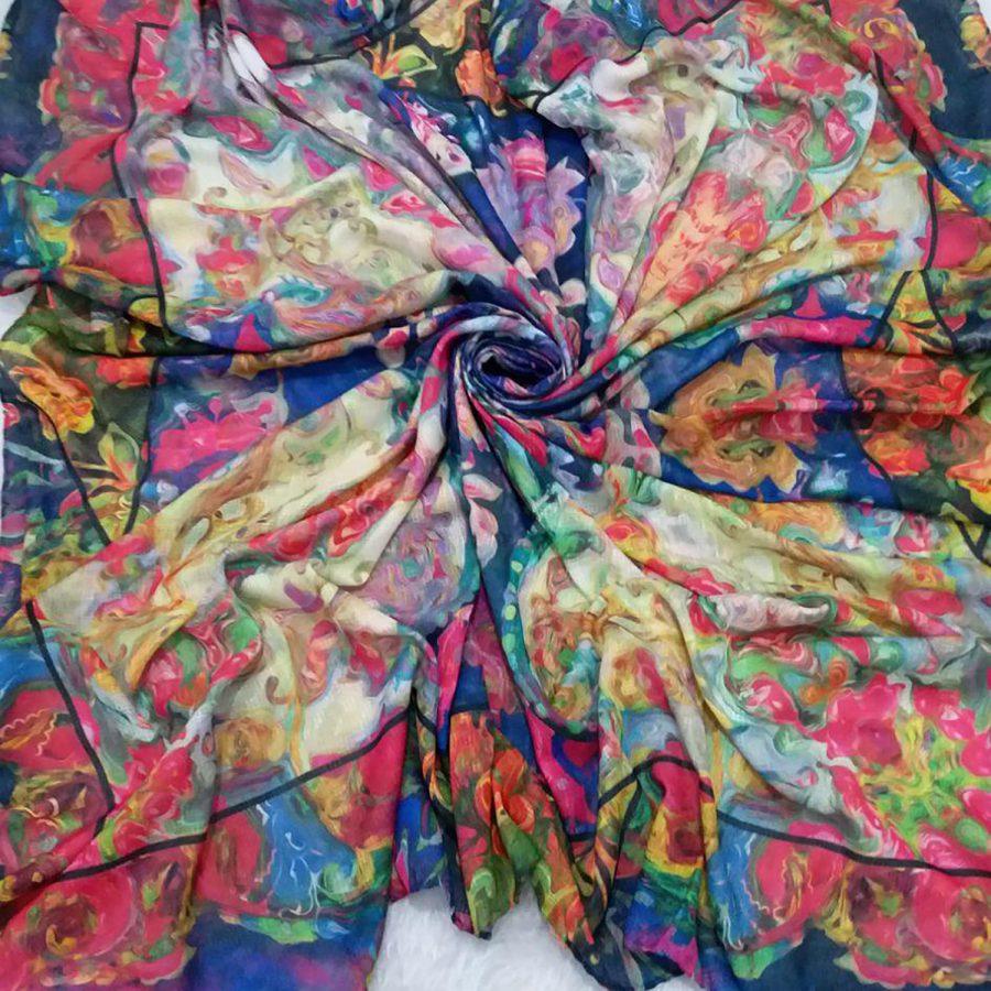روسری نخی قواره بزرگ زنانه SR-N357 از نمای نزدیک