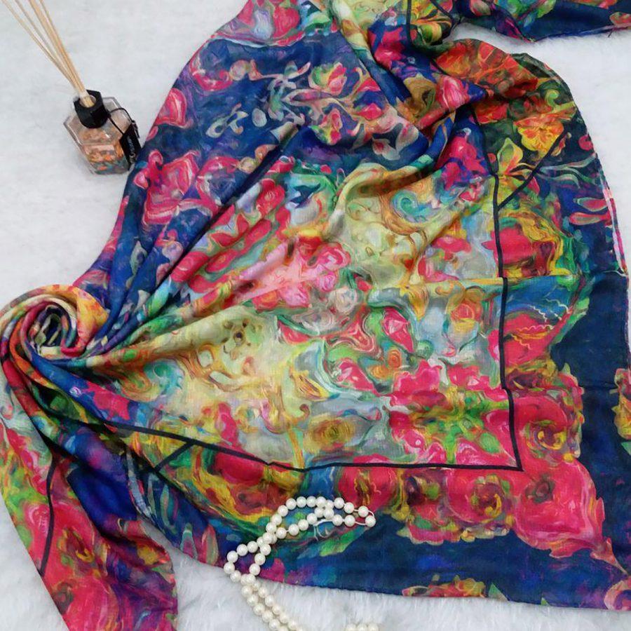 روسری نخی قواره بزرگ زنانه SR-N357 از نمای بالا