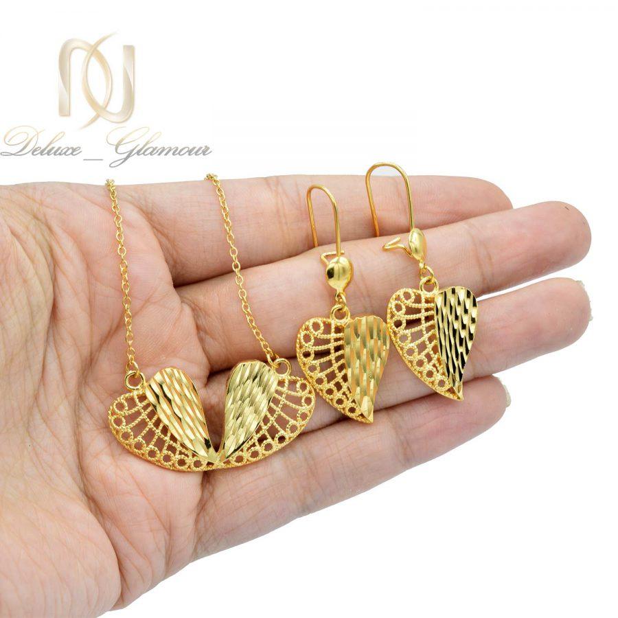 نیم ست زنانه طرح طلا ns-n467 از نمای روی دست