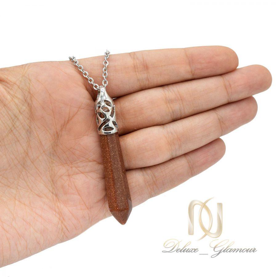 گردنبند سنگ عقیق دلربا NW-N572 از نمای روی دست