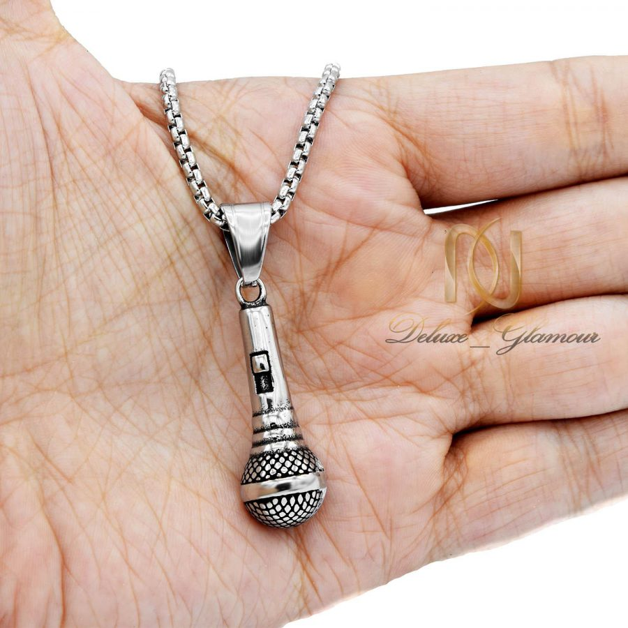 گردنبند طرح میکروفون مردانه NW-N557 از نمای روی دست