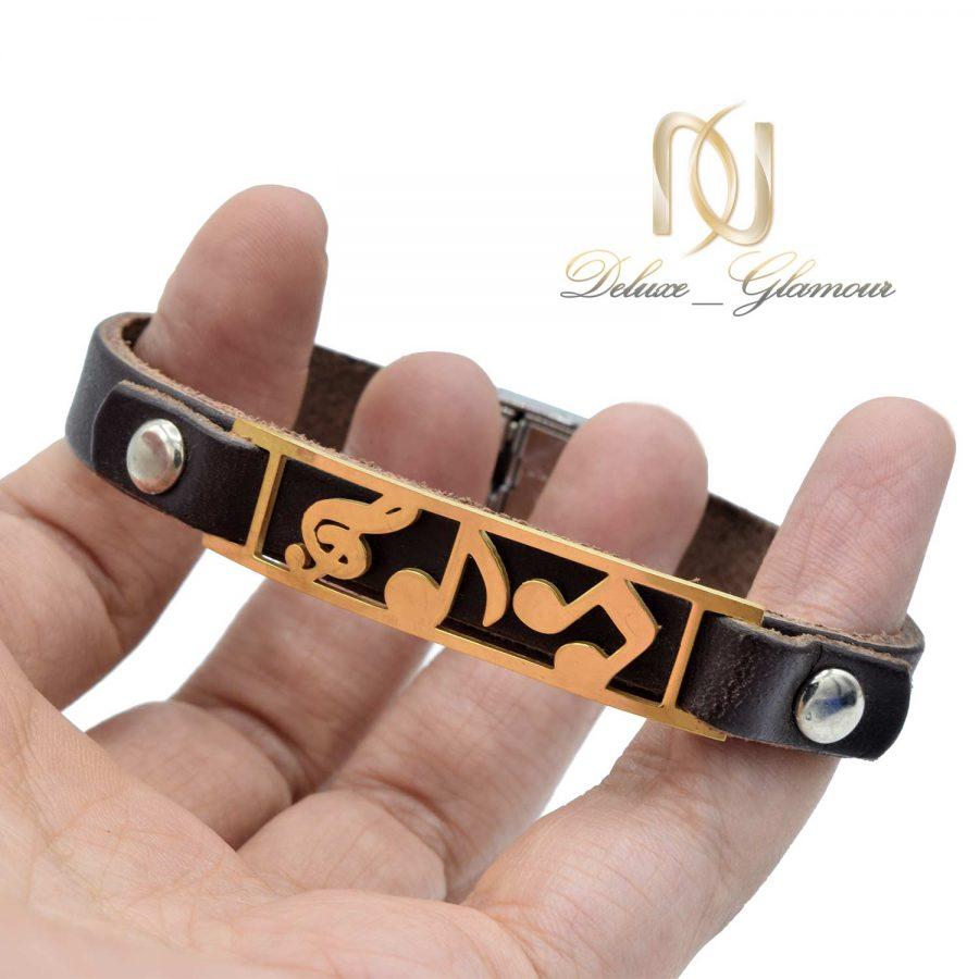 دستبند چرمی طرح کلید سل ds-n514 از نمای روی دست