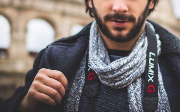 how to tie a scarf 600x375 - ۶ روش بستن شالگردن همراه با تصویر