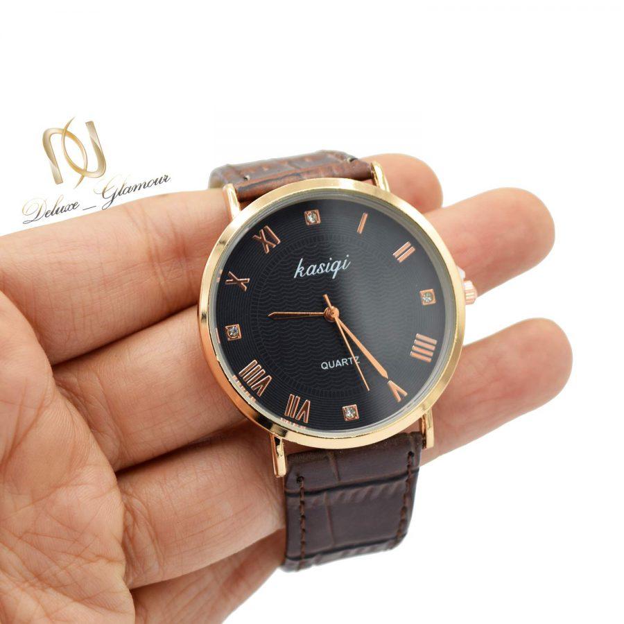 ساعت مردانه اسپرت چرمی wh-n183 از نمای روی دست