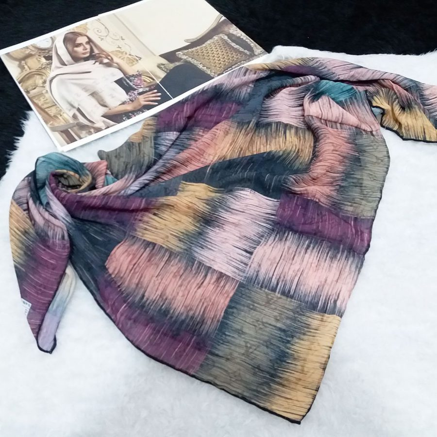 روسری حریر کرپ طرح مدرن قواره 120 از نمای بالا