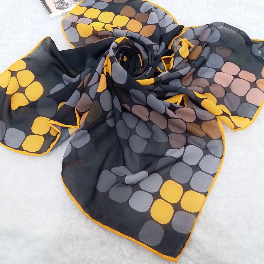 روسری حریر کرپ طرح پیکسلی از نمای کلی