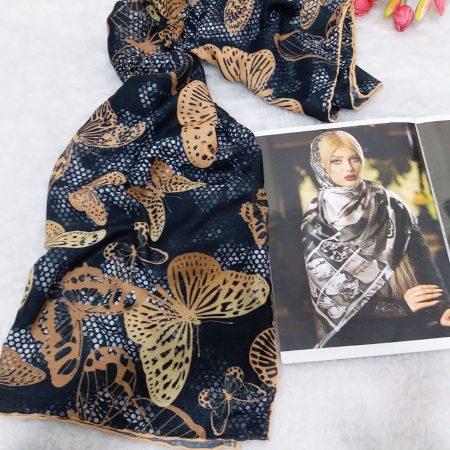 روسری دور دوز نخی از نمای کلی