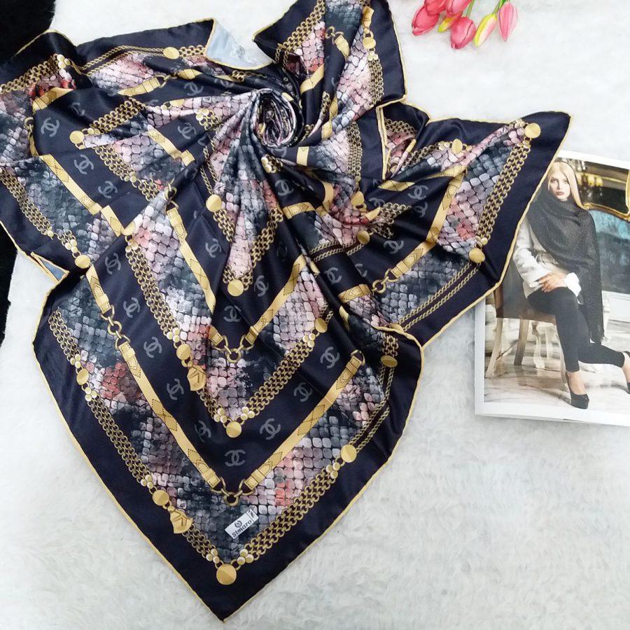 روسری ساتن ابریشم طرح شانل از نمای کلی