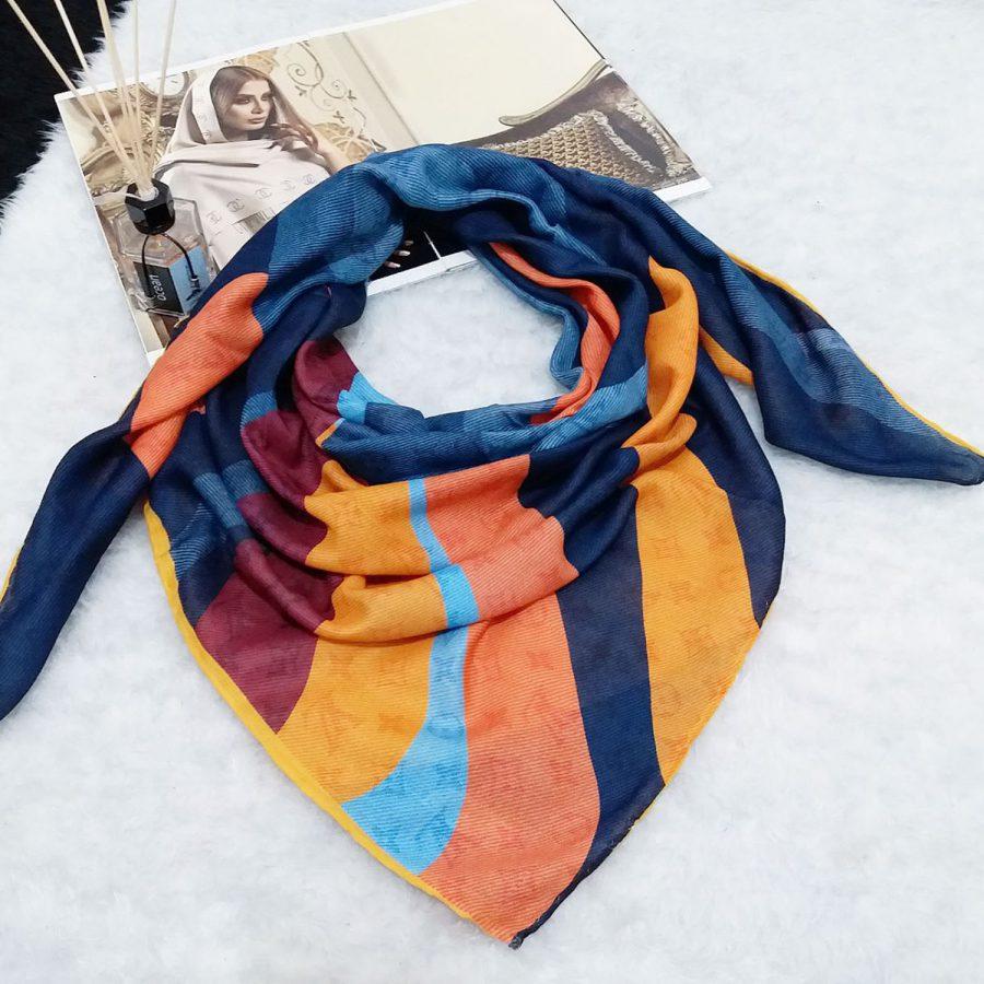 روسری نخی دست دوز طرح لویس ویتون از نمای بالا