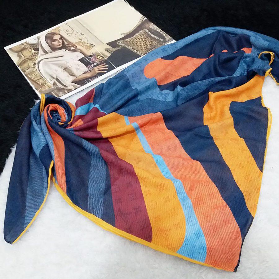 روسری نخی دست دوز طرح لویس ویتون از نمای کلی